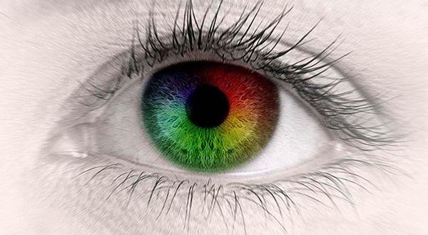 Цветной глаз