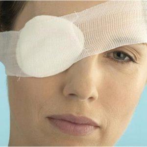 Повязка на оперированном глазу