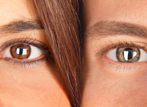 Мужчина с зелеными и женщина с карими глазами
