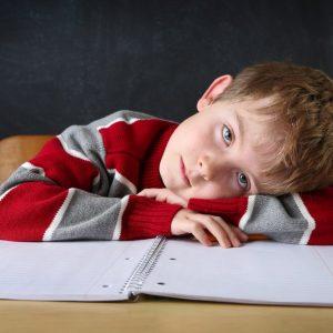 Ребенок с тетрадкой