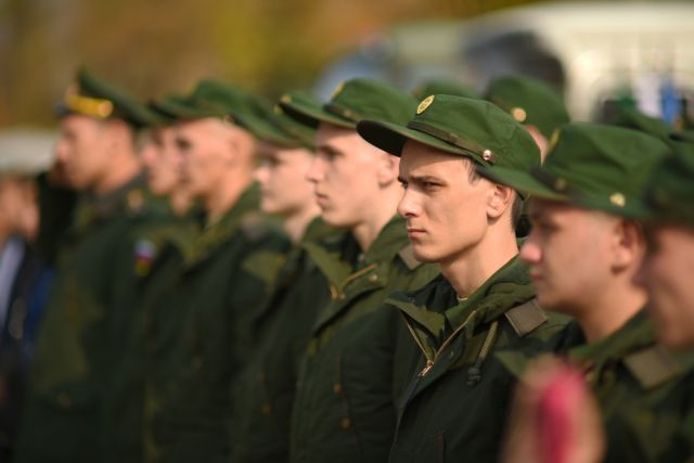 Парни в армии