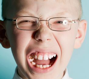 Мальчик с синдромом Туретта